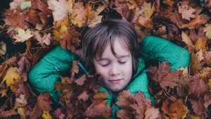 La pédagogie par la nature : dehors les enfants